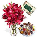 Enticing Hamper for U
